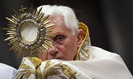 Pope-Benedict-XVI-and-Daw-001